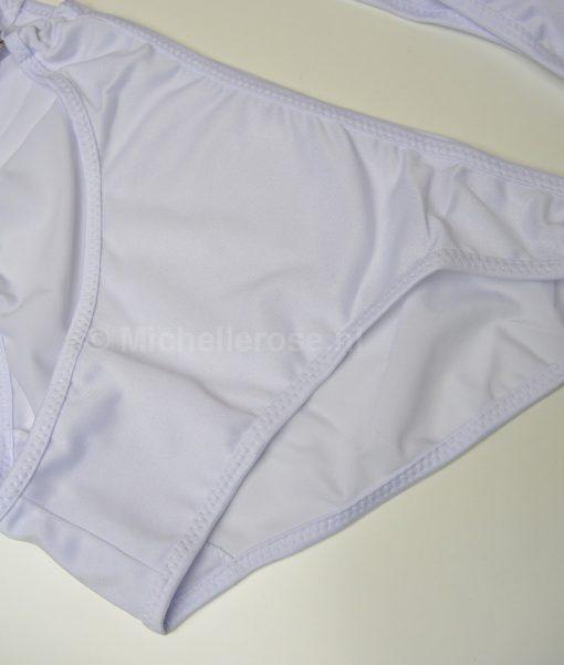 gedragen-witte-bikini